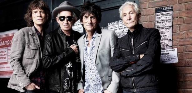 Integrantes do Rolling Stones se reúnem em frente ao clube Marquee, na Oxford Street, em Londres, local de seu primeiro show, em 12 de julho de 1962 (11/7/2012)