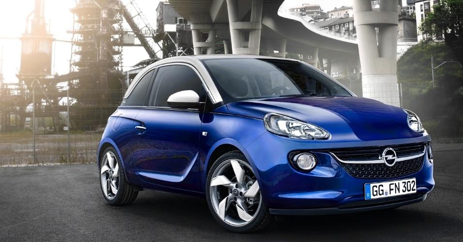 O carro tem duas opções de motores, ambos a gasolina: um 1.2 de 70 cv e um 1.4, que pode render 87 cv ou 100 cv, dependendo da versão