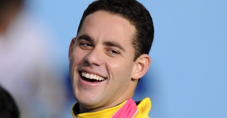Thiago Pereira sorri após vencer os 200 m medley no Pan de Guadalajara (19/10/2011)