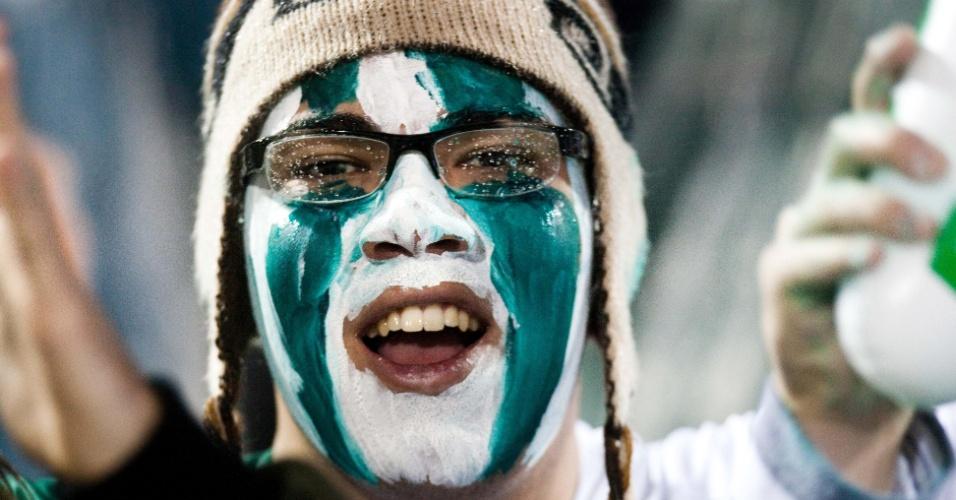 Torcedor do Coritiba pintou o rosto para acompanhar a final da Copa do Brasil contra o Palmeiras