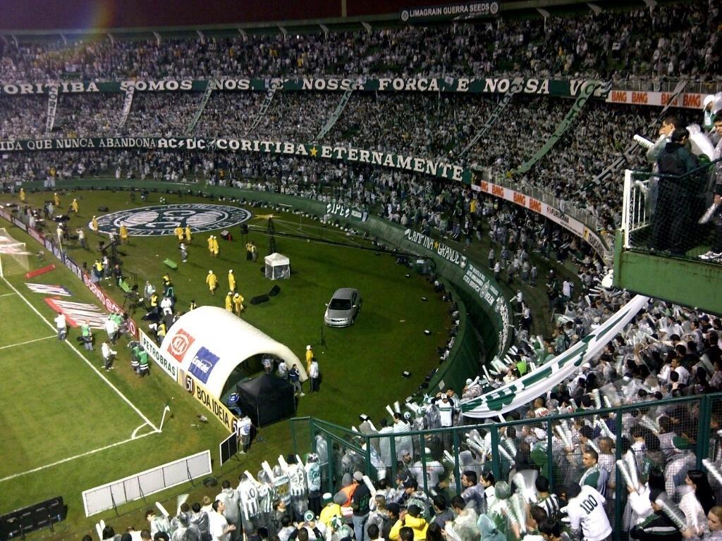 Torcida do Coritiba lota o Couto Pereira para a final da Copa do Brasil