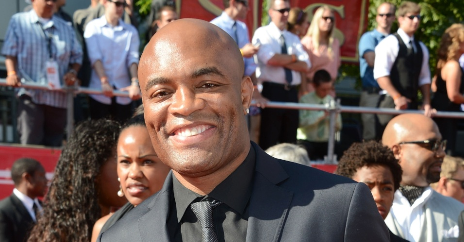 Anderson Silva participa da premiação ESPY Awards nos EUA, feita pelo canal ESPN; brasileiro concorreu a melhor lutador, mas Floyd Mayweather, do boxe, faturou