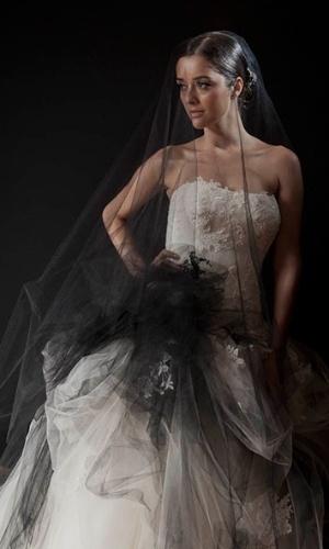 Imagem do vestido de noiva assinado por Lucas Anderi