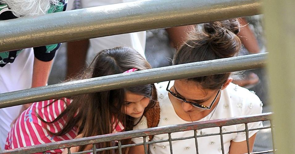 Katie Holmes e a filha Suri Cruise se divertem no Central Park Zoo em Nova York (12/7/12)