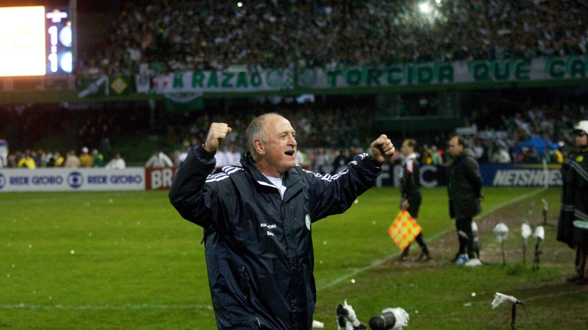 Luiz Felipe Scolari comemora a conquista do título da Copa do Brasil pelo Palmeiras