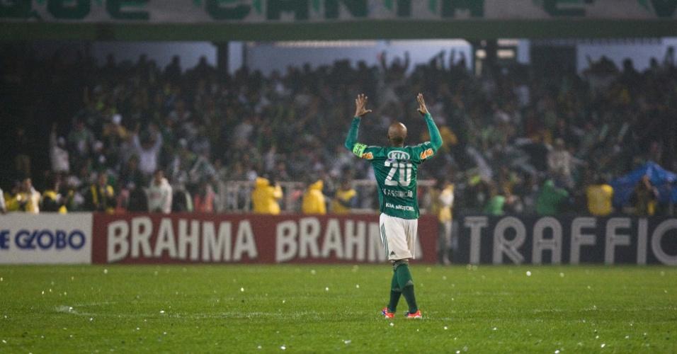 Marcos Assunção comemora gol de empate do Palmeiras contra o Coritiba