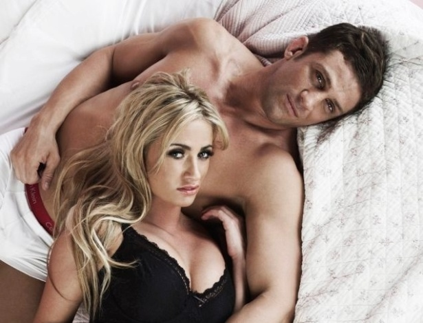 Namorada do lutador de MMA Alex Reid, Chantelle Houghton ficou famosa no Reino Unido depois de vencer um reality show na TV do pas