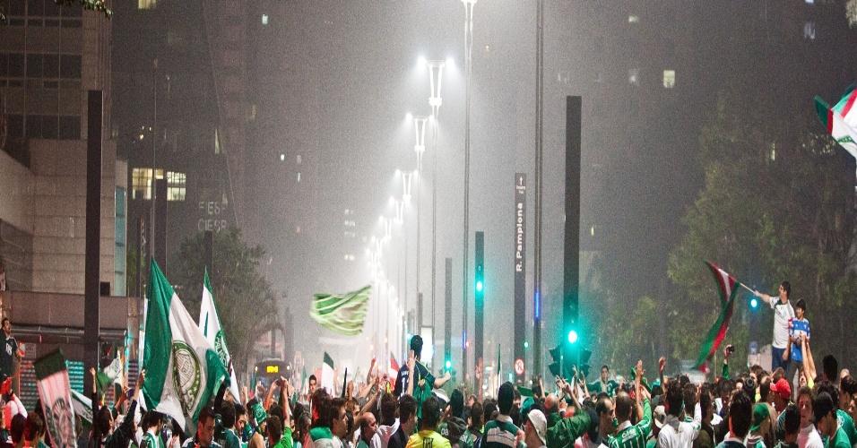 O Palmeiras empatou com o Coritiba no Paraná, mas ficou com o título pois já havia vencido por 2 a 0 no jogo de ida