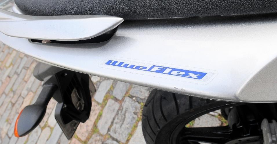 A grande diferença na nova Fazer 2013 para os modelos anteriores é o sistema de bicombustível, batizado de BlueFlex (destaque)
