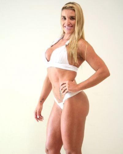 Esta é Alessandra, 29 anos, personal trainer, de São Paulo - Garota Fitness Brasil 2011