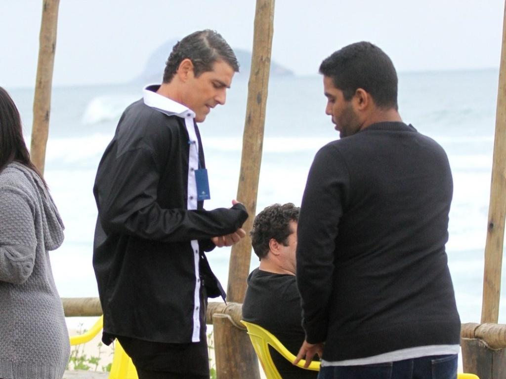 Reynaldo Gianecchini faz ensaio fotográfico em praia da zona oeste do Rio (15/7/2012)