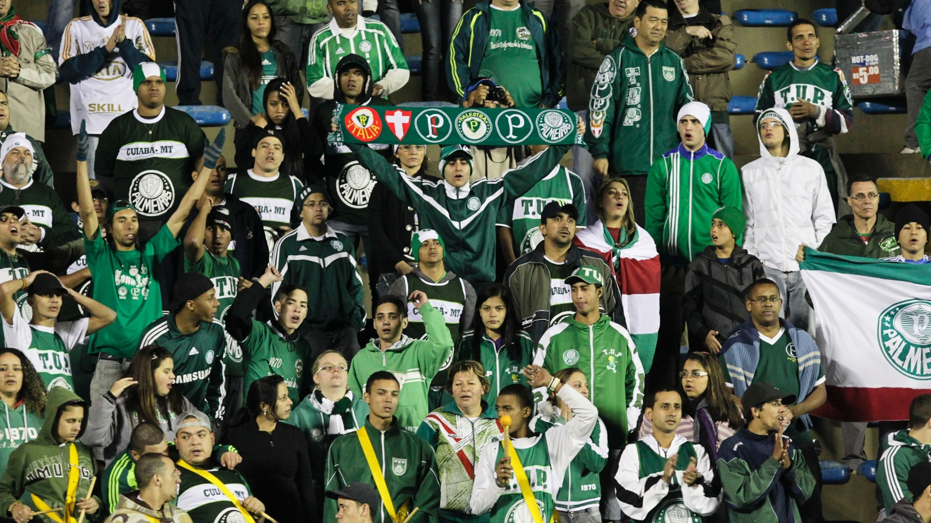 Torcedores do Palmeiras ainda celebram ttulo da Copa do Brasil em clssico contra o So Paulo