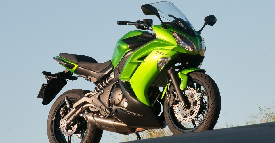 A nova versão da motocicleta custa R$ 27.990 na versão sem freios ABS (antitravamento) e R$ 29.990 com o equipamento