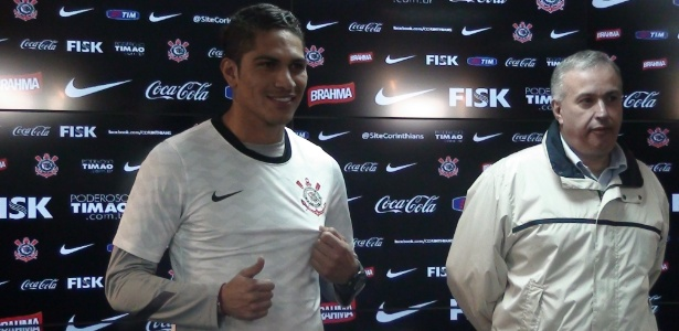 Atacante peruano quer a camisa 9 e disse ter conhecido a torcida corintiana