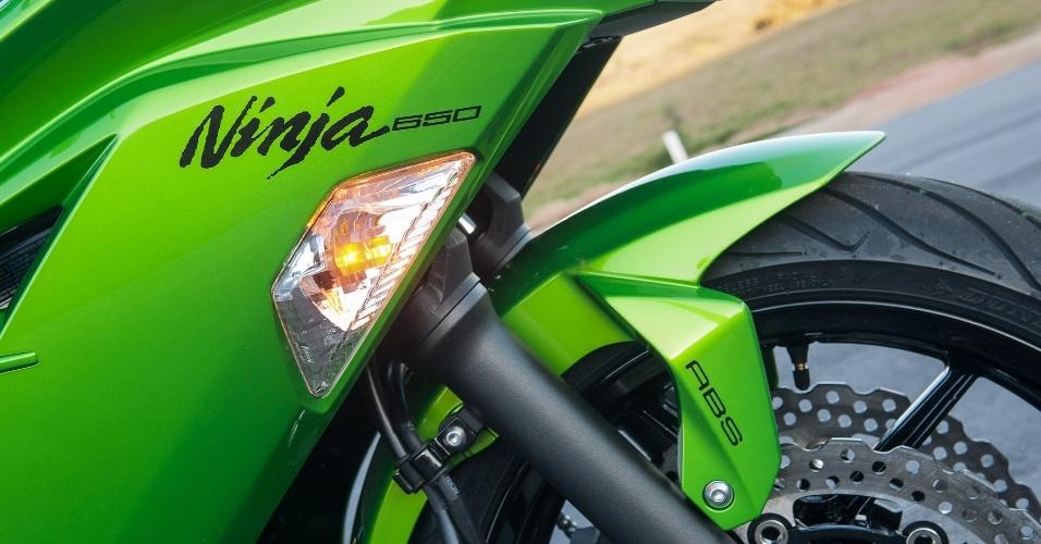 """Mesmo com a nomenclatura """"Ninja"""" gravada na carenagem, a nova Ninja 650 2013 é uma motocicleta calma e muito comportada"""