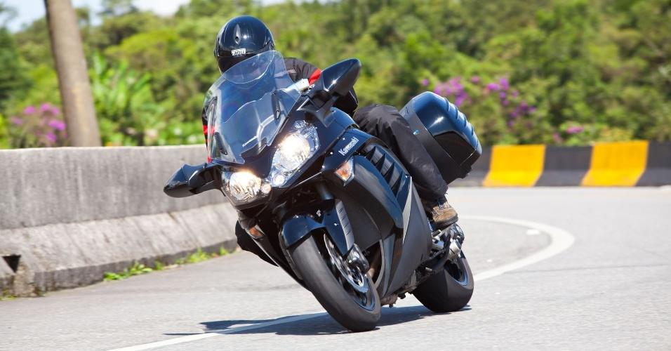 O modelo touring traz no pacote controle de tração, freios ABS (antitravamento) e sistema que distribui a frenagem entre as rodas