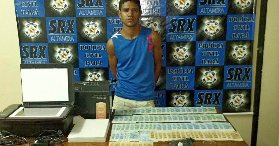13.jul.2012 - Um homem foi preso em flagrante com R$ 8,5 mil em notas falsas na orla do cais do porto de Altamira, sudoeste do Pará,