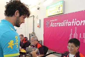 Alexandre Pato faz credenciamento para a participação dos Jogos Olímpicos de Londres