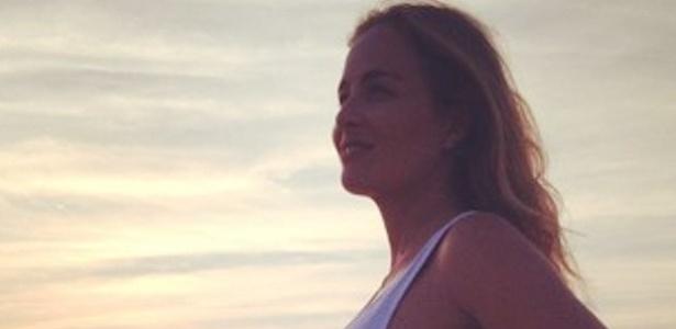 Angélica publica foto do barrigão em seu Instagram (17/7/12)