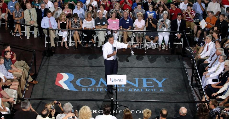 18.jul.2012 - Candidato presidencial republicano, o ex-governador de Massachusetts Mitt Romney, faz discurso durante comício em Centro Comunitário Bowling Green, em Ohio (EUA). Pressionado, Romney pode antecipar nome de vice