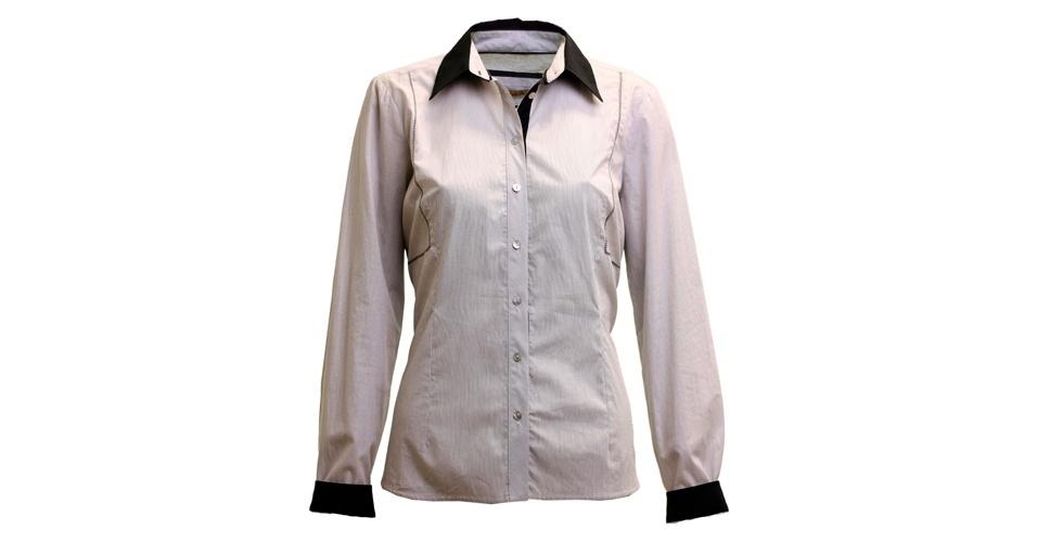As camisas são clássicos e estão na moda, principalmente as com gola em outra cor. Camisa; de R$ 219 por R$ 99, na Shoulder (Tel.: 11 3086 4744). A liquidação da marca vai até o final de julho e os descontos chegam a 50%. Preço pesquisado em julho de 2012 e sujeito a alterações