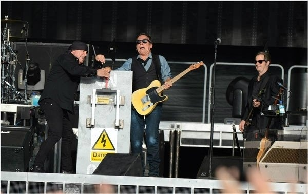 Bruce Springsteen faz piada sobre lei do silêncio de Londres (17/7/12)