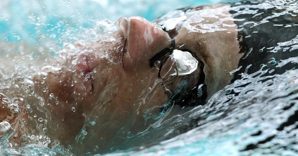 Cesar Cielo respira sob a água durante treino no Crsytal Palace nesta quarta-feira (18/07)