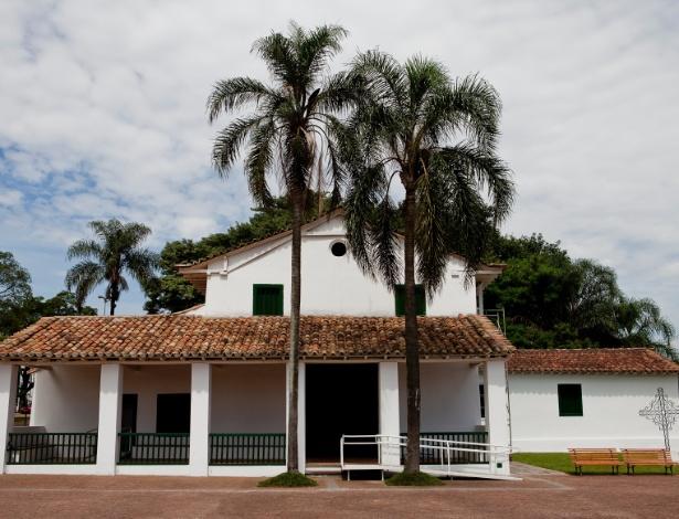Fachada da capela de São Miguel Arcanjo, que passou por um processo de revitalização por 5 anos e será reaberta ao público, em São Miguel Paulista, São Paulo