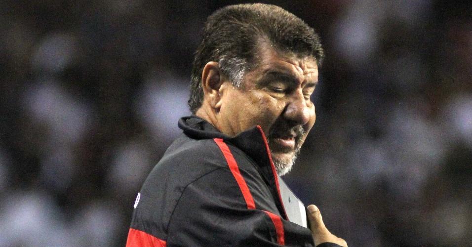Joel Santana foi bastante criticado pela torcida do Flamengo durante o jogo contra o Corinthians