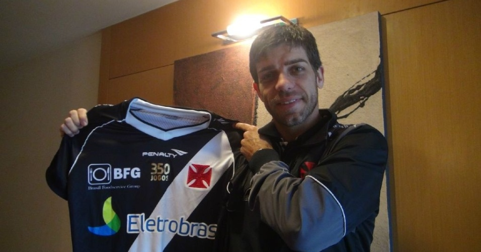 Juninho ganha camisa especial para partida de nmero 350 pelo Vasco (18/07/2012)