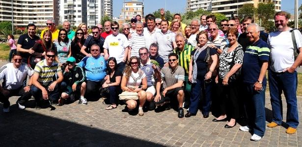 Representantes dos clubes, da FGF e acompanhantes no congresso de 2011 no Chile