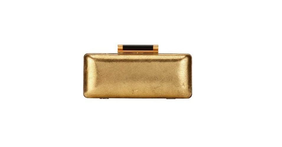 Tanto o dourado, quanto as clutchs são hits entre as fashionistas. Clutch; de R$ 1.800 por R$ 900, na Diane von Furstenberg (Tel.: 11 3034-4720). A liquidação da marca vai até o dia 31 de julho e os descontos chegam a 60%. Preço pesquisado em julho de 2012 e sujeito a alterações