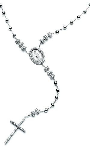 Terço em ouro branco com diamantes; por R$ 16.077 na Talento Jóias (www.talentojoias.com.br). Preço consultado em julho de 2012 e sujeito a alterações