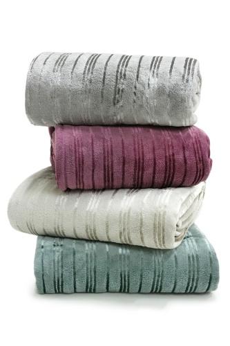 A manta de microfibra está à venda na MMartan, no Shopping D&D (www.dedshopping.com.br), de R$ 162 por R$ 78. O preço com desconto é válido até o dia 19 de agosto de 2012
