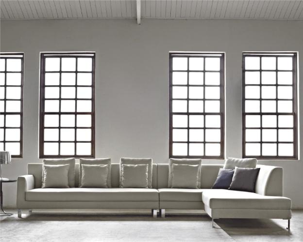 Na liquidação do shopping CasaPark (www.casapark.com.br), o sofá modulado Mult da loja Lider (www.liderinteriores.com.br) está à venda de R$ 5.634 por R$ 3.943 (sob encomenda) até o dia 12 de agosto de 2012. De três lugares, o móvel é forrado em linho misto