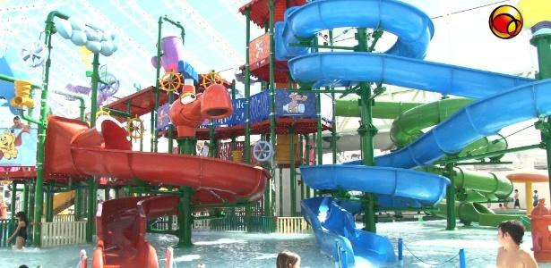 O parque aqu�tico do Casc�o, inaugurado em julho, tem op��es tranquilas ou radicais, pra todos os gostos