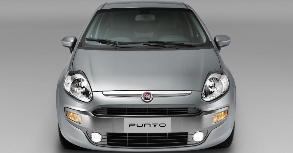Uma das opções da versão Essence, mais sóbria, é pintar o plástico da boca dianteira, como no carro da foto; o friso cromado acima é de série