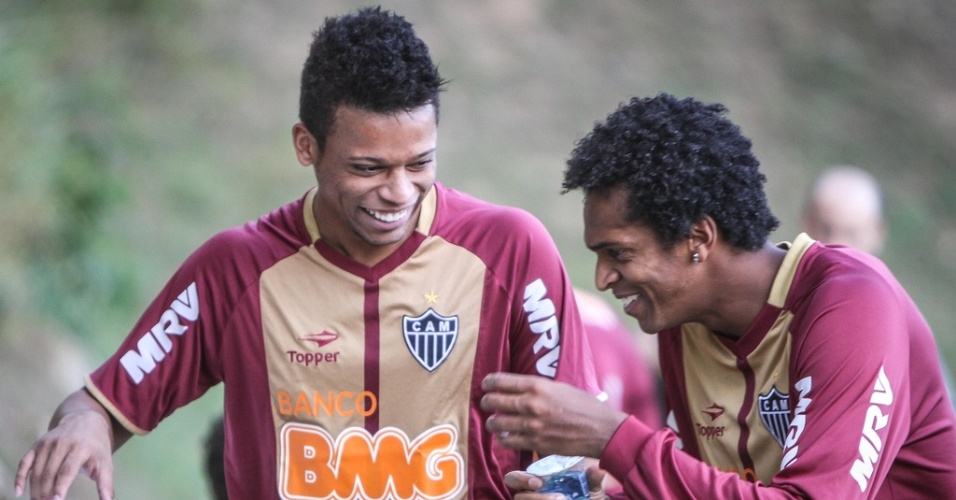 Andr, ao lado de J, durante treino do Atltico-MG na Cidade do Galo (19/7/2012)