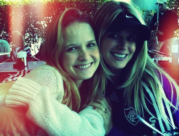 No Dia do Amigo, Fernanda Rodrigues divulga imagem ao lado de Susana Werner (20/7/2012)