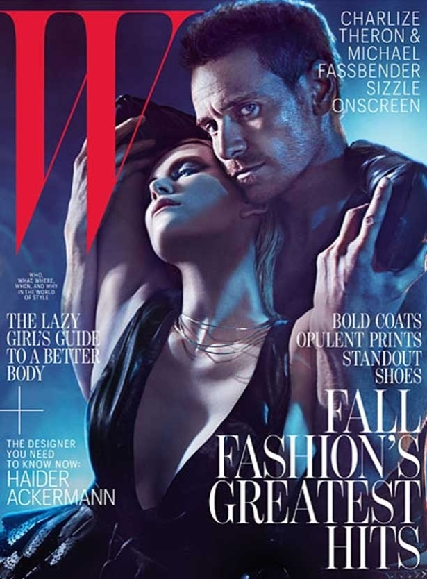 Sensuais, Charlize Theron e Michael Fassbender estampam capa de revista (julho/2012)