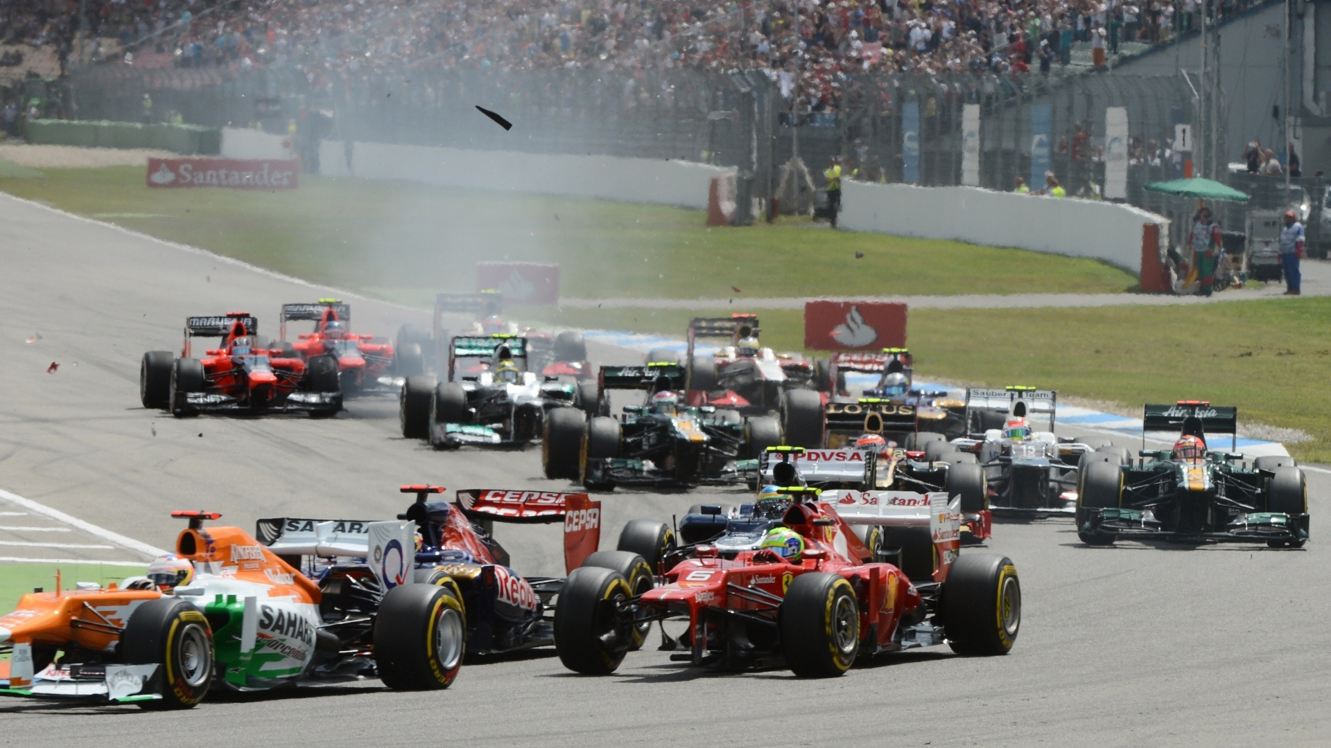 Felipe Massa aparece sem o bico do carro na primeira volta do Grande Prêmio da Alemanha