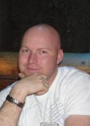 Jesse Childress, 29 anos, era técnico de operações e sistemas da Força Aérea americana e trabalhava na Buckley Air Force Base