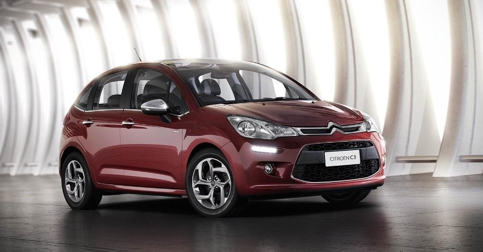 A Citroën revelou nesta segunda-feira (23/07) as primeiras informações oficiais da nova geração do C3, que chega às lojas no começo de agosto