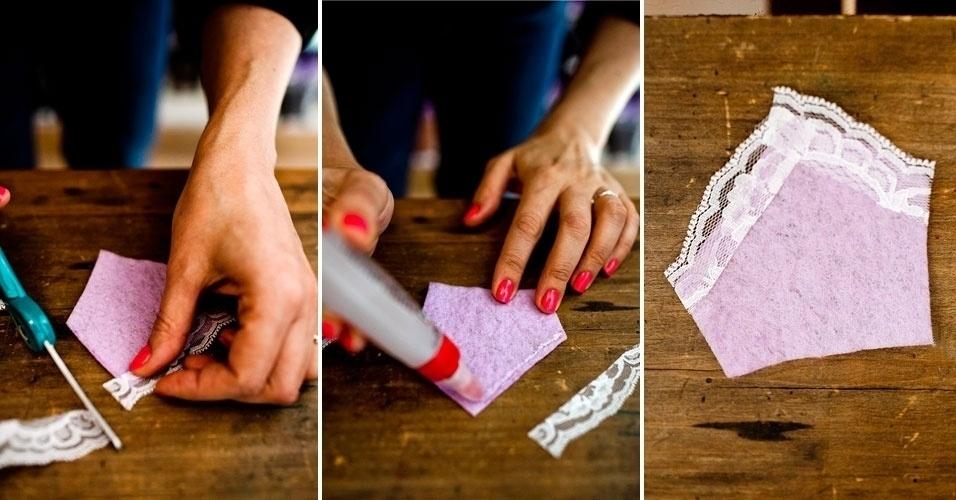 Aplique a renda com a cola para artesanato ou a cola à quente, dando acabamento na ponta da manta