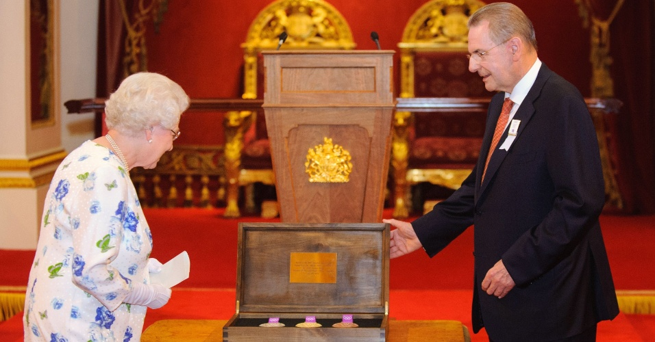 Londres 2012 - Elizabeth II e Jacques Rogge, presidente do COI
