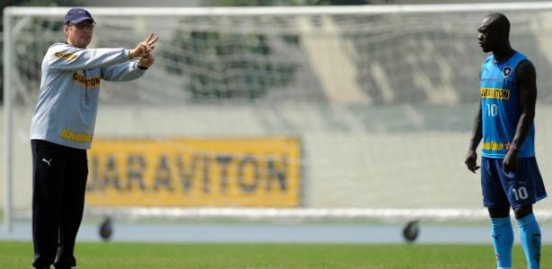 Oswaldo se surpreendeu com Seedorf e diz ter recebido ligações por conta de Seedorf