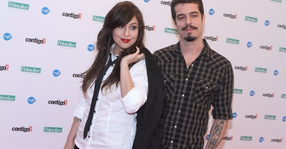 Pitty e Martin, do duo Agridoce, chegam à premiação (23/07/12)