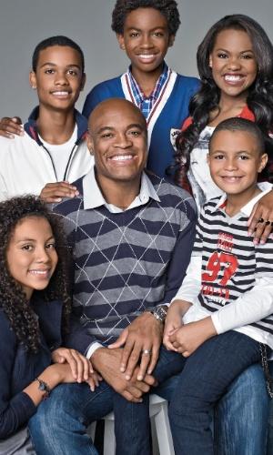 Campanha da Riachuelo para o Dia dos Pais com Anderson Silva e seus filhos