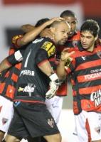 Mais brasileirão: Defesa falha e São Paulo perde parao Atlético-GO