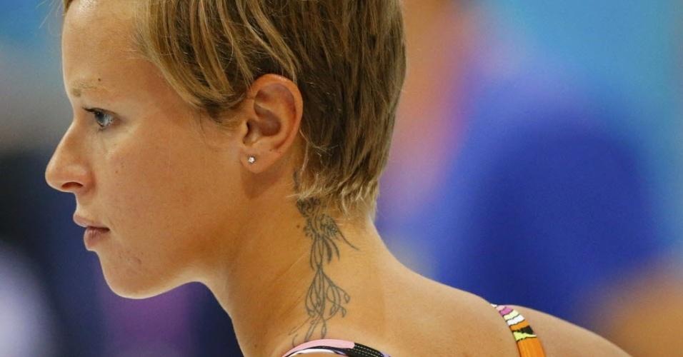 A bela nadadora Federica Pellegrini tem uma tatuagem que quase se esconde sob seus cabelos